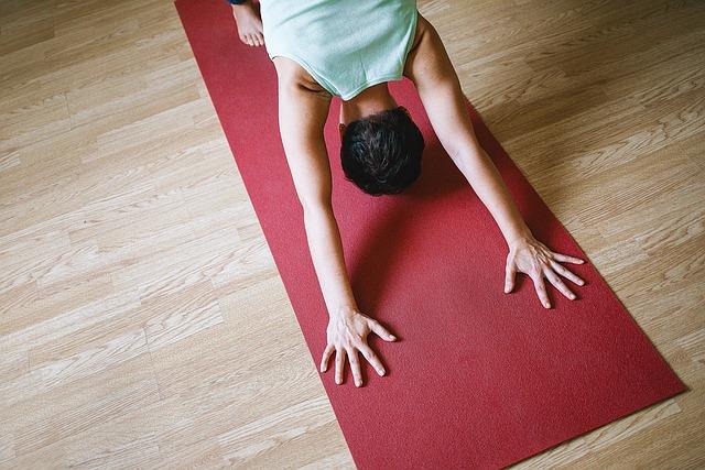 Verschiedene Yoga-Übungen